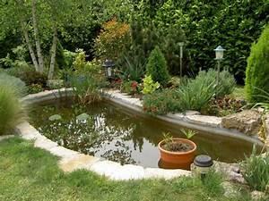 Jardin Avec Bassin : installer un bassin de jardin entretenez et embellissez votre jardin avec mr bricolage ~ Melissatoandfro.com Idées de Décoration
