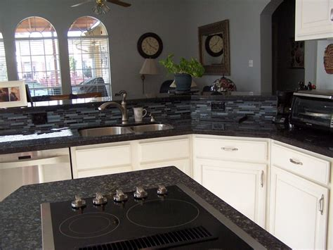 backsplash kitchen photos best 20 blue pearl granite ideas on granite 1431