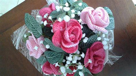 fiori fatti a uncinetto bouquet