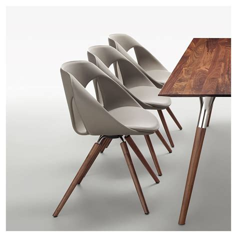chaise design cuir noir chaise sejour design maison design wiblia com