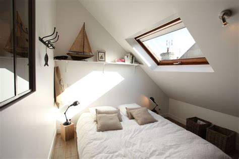 amenagement des combles en chambre coin nuit dans des combles aménagés en studio loft port