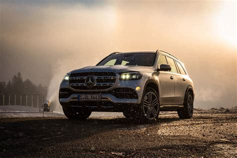 It's a novel, and after reading it, your brain needs a vacation. Mercedes-Benz GLS 580 4MATIC - Test, Fahrbericht, Review - AutoScout24