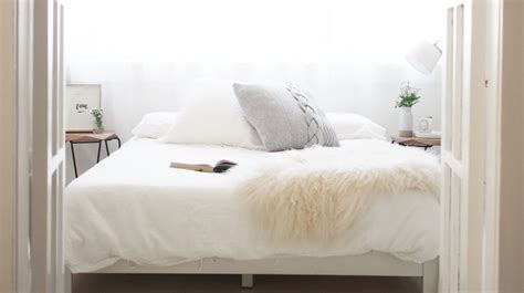 Beautiful Guest Bedrooms by How To Create A Beautiful Guest Bedroom On A Budget
