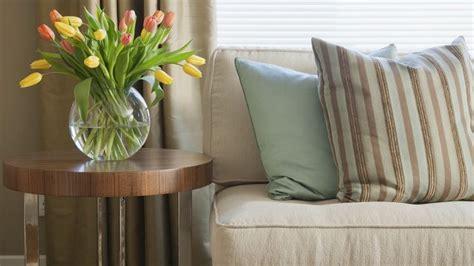 Cuscini Per Divani, Un Tocco Decorativo In Casa
