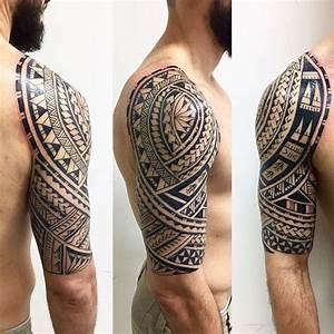 Maorie Tattoo Oberarm : 1001 ideen und bilder zum thema maori tattoo und seine bedeutung ~ Frokenaadalensverden.com Haus und Dekorationen
