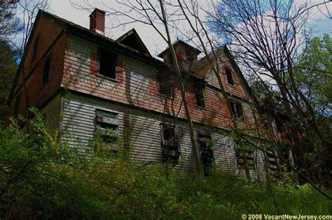 abandoned places in us abandoned mansion in new jersey united states abandoned homes castles abandoned scary