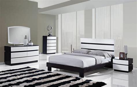 Chambre Moderne Noir Et Blanc Tapis Moderne 224 Rayures En Noir Et Blanc