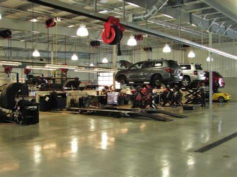 Beechmont Toyota : Cincinnati, OH 45255 Car Dealership