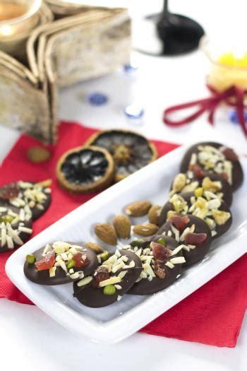 recette mendiants chocolat noir amandes  fruits