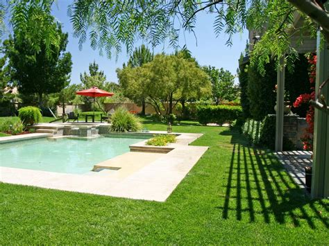 30 Amazing Pool Landscaping Ideas For Your Home
