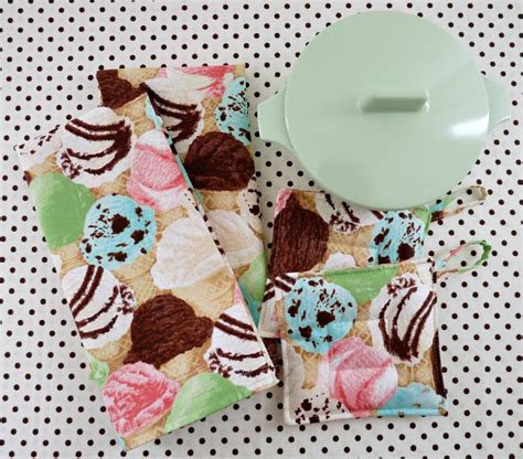 ice cream table cloth the beauty and elegance of diy cloth napkins