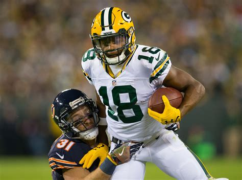 green bay packers receivers  reap benefits