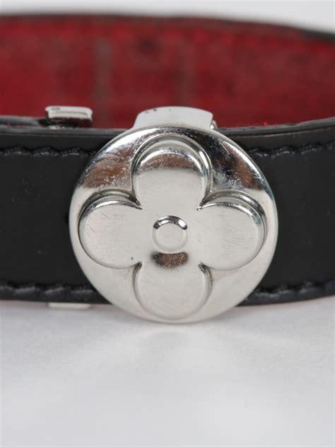 louis vuitton  black leather flower bracelet