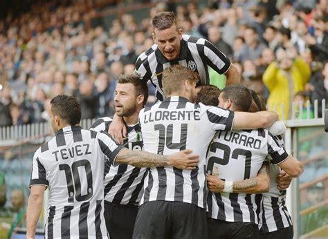 Les cotes et notre pronostic vous aideront a parier sur ce match. Juventus vence 1-0 a Sampdoria y logra su cuatro título ...