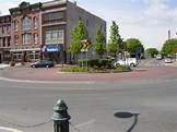 File:Centennial Circle Glens Falls New York.jpg - Wikipedia
