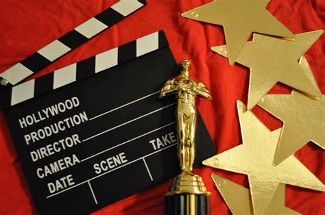 awards and decorations how to host an oscar the sundial