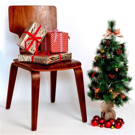 weihnachtsbaum im topf kaufen weihnachtsbaum im topf so h 228 lt die tanne l 228 nger weihnachtsdeko ideen zenideen