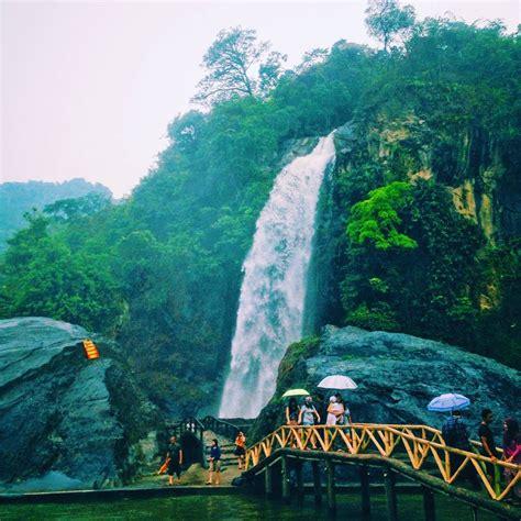 menikmati keindahan wisata alam air terjun curug bidadari