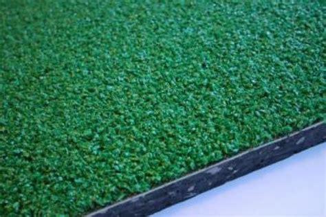 tappeti antitrauma per esterni tappeto antitrauma a rotoli sp 25mm hic 1 69 mt in erba