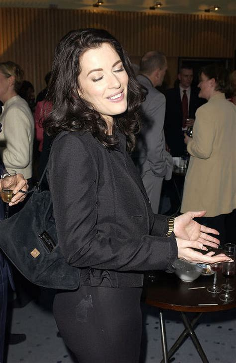 Crush Of The Day Nigella Lawson Hot Cleavage N Ass Show