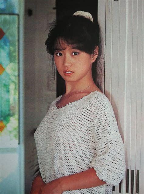 中森明菜 Akina Nakamori 1980s Idolo 中森明菜 80年代 アイドル、明菜、1980 年代