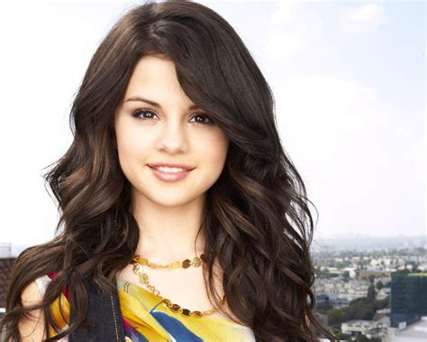 Most Beautiful Wallpapers Of Gorgeous Selena Gomez