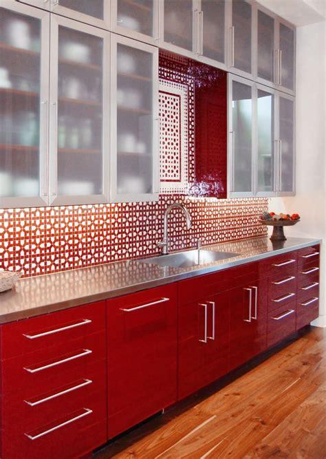 red kitchen backsplash ideas  bold  merry
