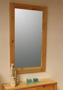 Spiegel Weiß Holzrahmen : massivholz spiegel mit holzrahmen 100x60 dielenspiegel kiefer schlafzimmerspiegel ~ Indierocktalk.com Haus und Dekorationen