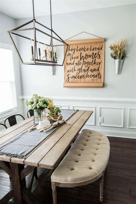 springtime farmhouse table centerpiece  hosting home