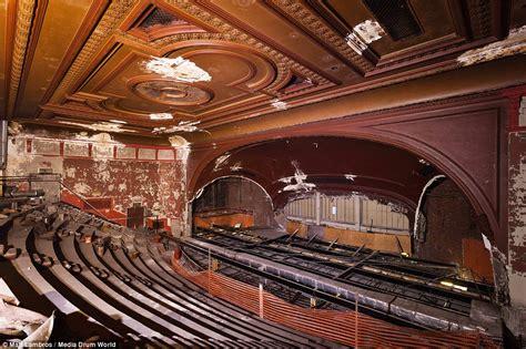 americas decaying buildings revealed    cinemas