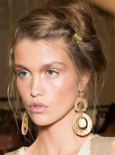 t gel shoo hair 10 romantic hairstyles to wear on your next date night