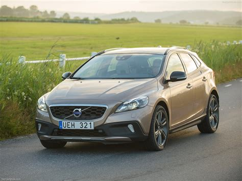 Volvo V40 Cross Country Picture by Volvo V40 Cross Country 2014 Picture 05 1600x1200