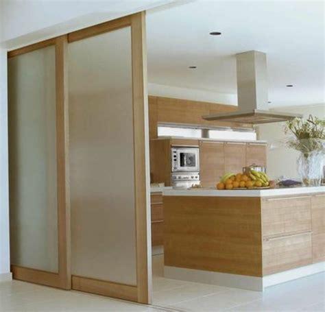 porte de cuisine coulissante porte coulissante pour cuisine ouverte cuisine en image