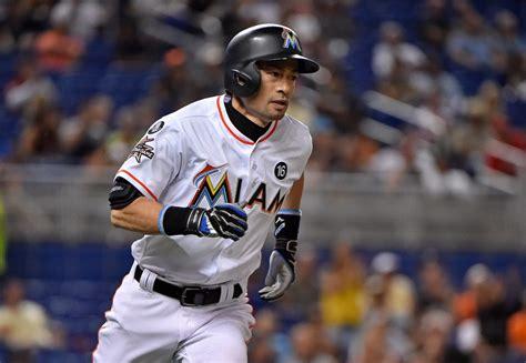 Ichiro Suzuki Trade by Mariners Sign Ichiro Suzuki Mlb Trade Rumors
