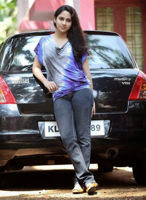 Actress Mia George: Beauty from Gods own Country ...