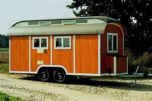 Wohnwagen Anbau Aus Holz : wohnwagen aus vollholz urlaub in der holzklasse ~ Markanthonyermac.com Haus und Dekorationen