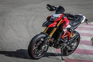 Ducati Hypermotard 939 Sp : 2017 ducati hypermotard 939 sp review gearopen ~ Medecine-chirurgie-esthetiques.com Avis de Voitures