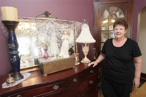 treasure hunters shoppers find deals  thrift stores