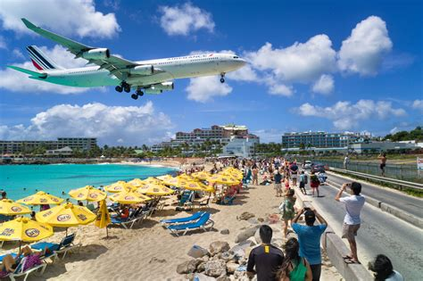 Sint Maarten Tourist Killed By Jet Blast At Maho Beach