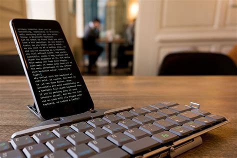 use iphone as bluetooth keyboard why you should use your iphone with a bluetooth keyboard