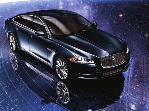 Cars Wallpapers And Pictures Jaguar Car Wallpapers Hd
