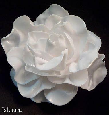 creare fiori con bottiglie di plastica tutorial fiori con cucchiai di plastica plastica