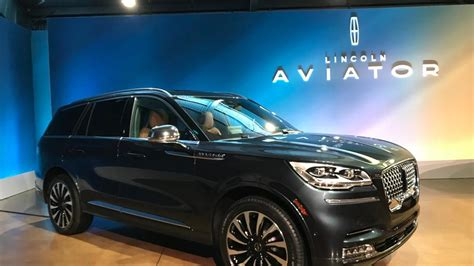 lincoln aviator packs technology midsize suv segment ksnv