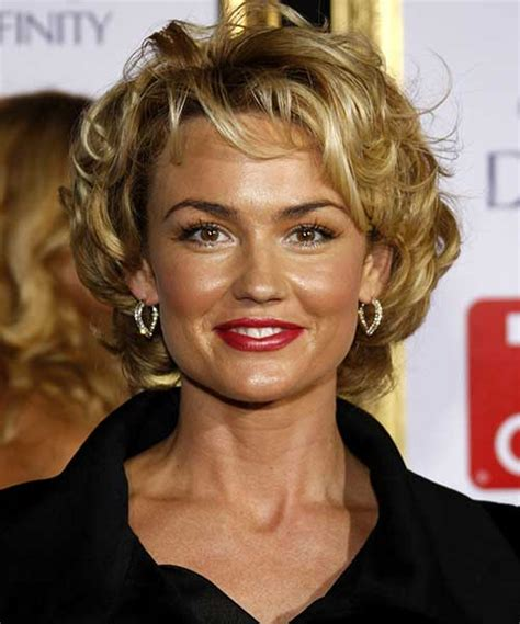 popular short curly hairstyles   faces