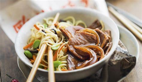comment cuisiner des nouilles chinoises découvrez les plats typiques de l 39 asie yvelines