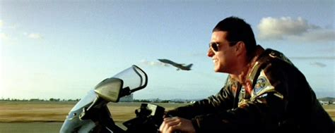 top gun  tom cruise salira ancora su jet  kawasaki hr