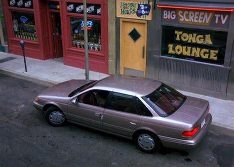 "IMCDb.org: 1994 Ford Taurus GL in ""Seinfeld, 1989-1998"""