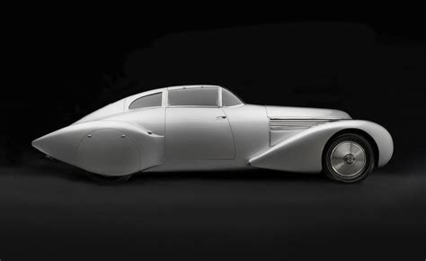 examining the architecture of the deco automobile dwell