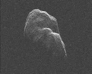 News | Asteroid Toutatis Slowly Tumbles by Earth