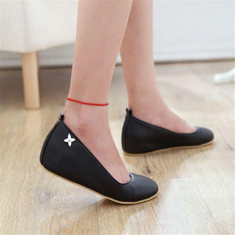 6103c890b ... В интернет-магазине «ОРТОЛАЙН» большой выбор обуви для женщин по  доступным ценам. Вы можете купить женскую ортопедическую обувь с доставкой  по Москве и ...